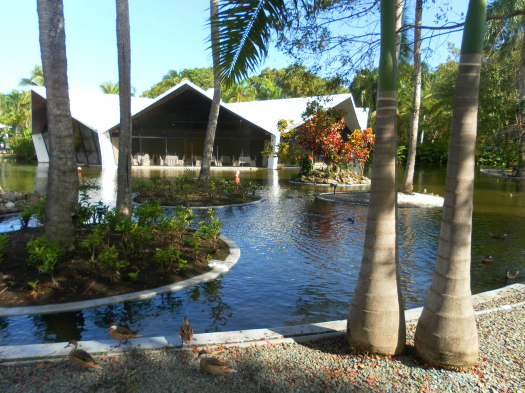 Garten vom Bávaro Princess All Suites Resort in Punta Cana, AIDA Karibik Kreuzfahrt