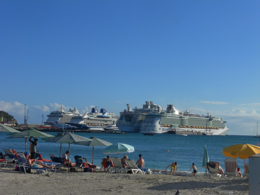 Kreuzfahrtschiffe in St. Maarten, AIDA Karibik - St. Maarten - Ausflug Flugzeugstrand Maho Beach