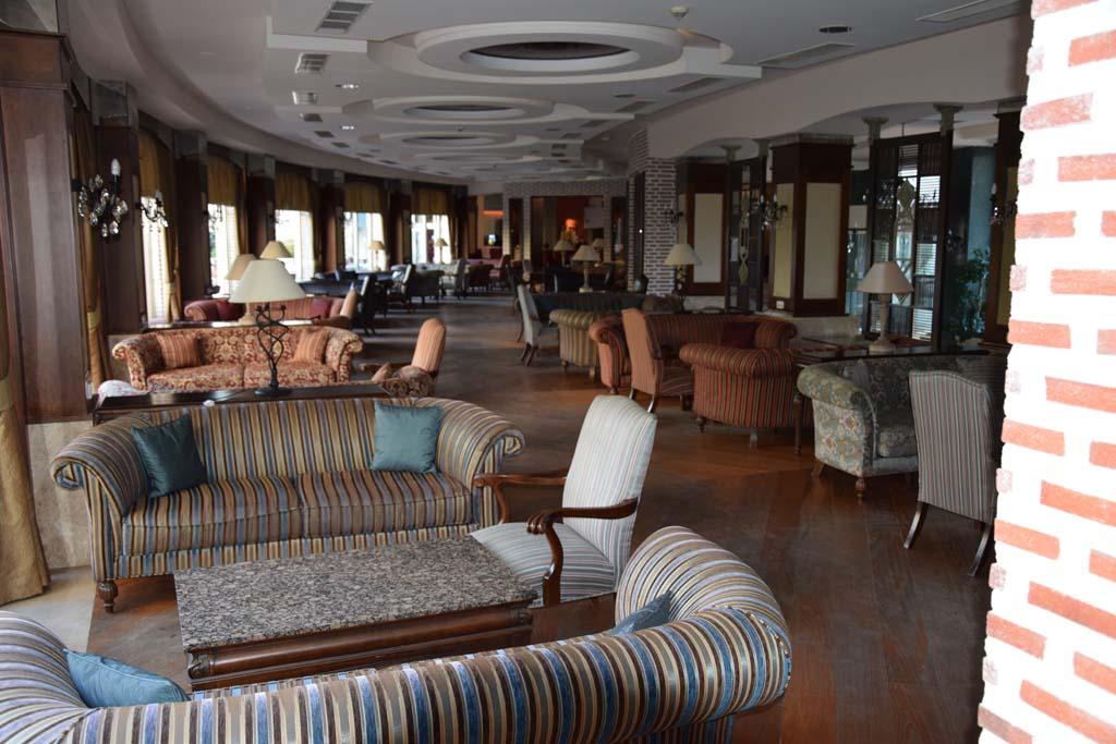 Side Hotels
